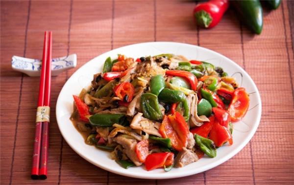 """Ẩm thực Việt Nam - """"Phát ghiền"""" với những món nhậu nhâm nhi ngày mưa"""