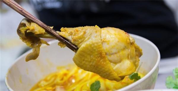 Ẩm thực Phan Thiết - Mì Quảng ở Phan Thiết có gì khác?