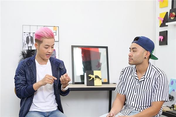 Tham gia teachshow với vai trò khách mời, giọng ca Trái Tim Nhân Mãrất hào hứng khi được chia sẻ cùng người hâm mộ những trải nghiệm của mình với nghệ thuật trong quãng thời gian 8 năm qua.