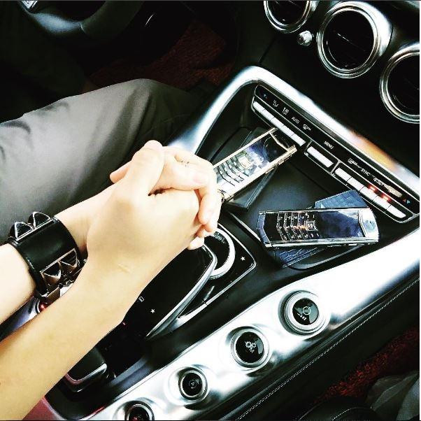 Chiếc đồng hồ hơn 1 tỉ này cũng được Bảo Hưng nâng niu và ưa thích.