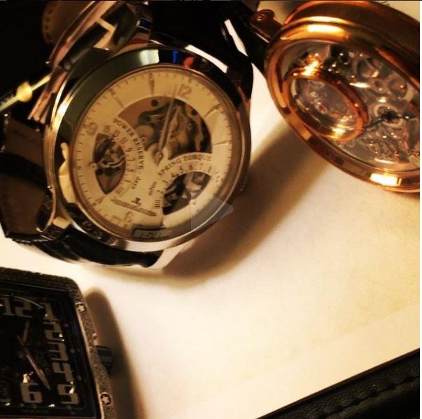 Một vài chiếc đồng hồ khác trong bộ sưu tập khủng của em trai biên tập viên Ngọc Trinh.