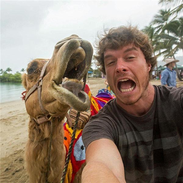 Nào mình cùng selfie! (Ảnh: Internet)
