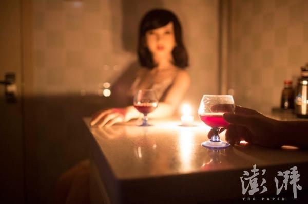 Hai người thường có những buổi tối hẹn hò lãng mạn.