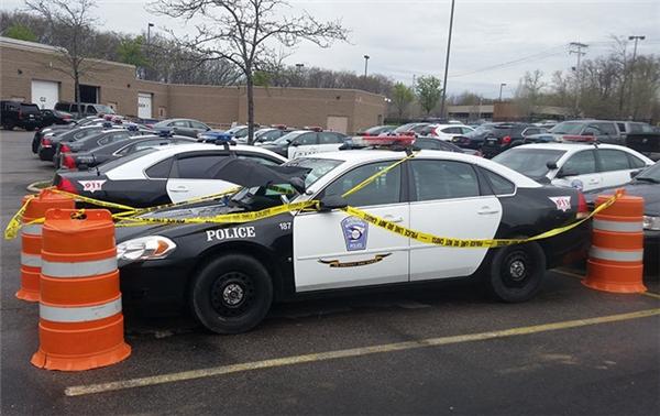 Cảnh sát thành phố Parma đã niêm phong khu vực đỗ chiếc xe để tránh người đến làm phiền Gerty. (Ảnh: City of Parma)