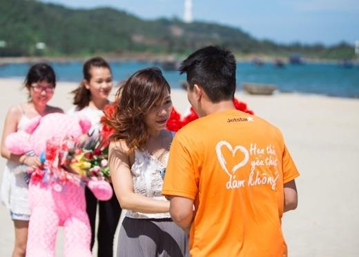 Thu Trang vô cùng bất ngờ và hạnh phúc khi được tỏ tình.