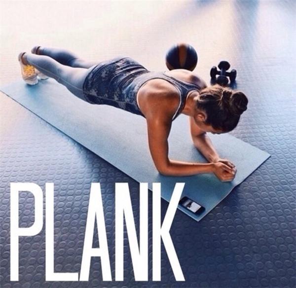 Bài tập dễ hơn cả plank lẫn squat nhưng hiệu quả giảm mỡ tương đương
