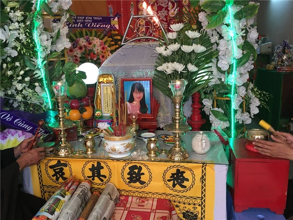 Tấm ảnh thờ cũng là tấm ảnh cuối cùng đăng trên trang cá nhân của cô Quỳnh. Ảnh: Internet