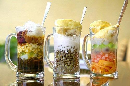 """Ẩm thực Hà Nội -  Giới trẻ Hà thành """"điên đảo"""" với các món ăn vặt mát lạnh ngày hè"""