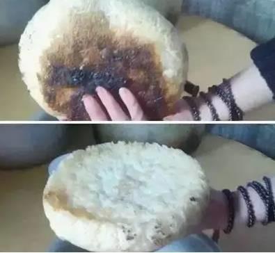 Sáng sớm cô mời cả nhà bữa sáng với bánh bao cháy thành than, đến trưa anh chàng được thưởng thức món canh chuối có một không hai và bữa tối thì thưởng thức bánh cơm cháy đặc biệt.