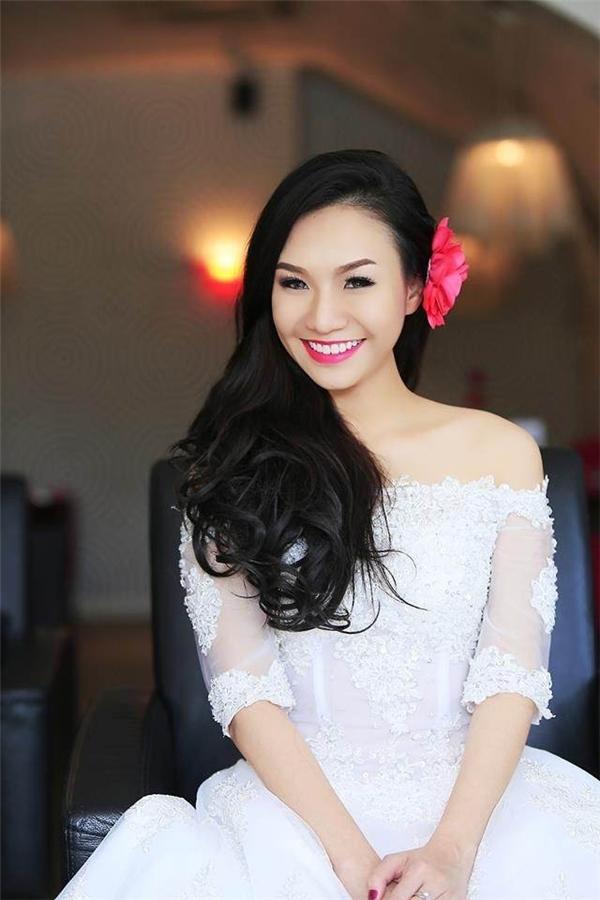 """Ai sẽ là """"hoa hậu quý bà"""" trong dàn vợ hot boy Việt?"""