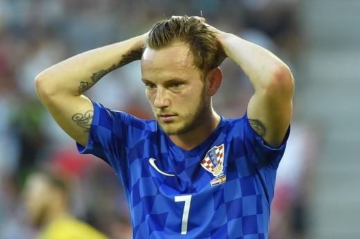 Còn Rakitic tiếc nuối sau khi không thể chọc thủng lưới thủ môn De Gea. Anh là cầu thủ rất quan trong đối với Croatia ở trận gặp Tây Ban Nha khi đảm nhận vai trò của cả Luka Modric.