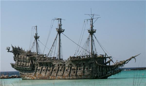 """Con tàu """"Người Hà Lan bay"""" là nỗi ám ảnh của nhiều người đi biển. (Ảnh: Internet)"""