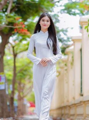 Nữ sinh trường THPT chuyên Lê Hồng Phong Lê Vũ Thục Anh đứng Top 1.