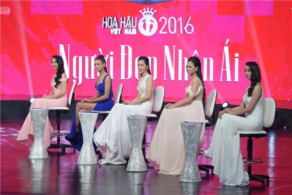 Đặc biệt, thí sinh giành chiến thắng phần thi Người đẹp Nhân ái sẽ được tiến thẳng vào top 5 chung cuộc của Hoa hậu Việt Nam 2016. - Tin sao Viet - Tin tuc sao Viet - Scandal sao Viet - Tin tuc cua Sao - Tin cua Sao