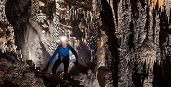 Một góc của hang động Hòa Hương.(Ảnh: Đoàn thám hiểm cung cấp/Sài Gòn Giải phóng)