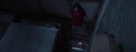 Ngoài đời,Janetcó bị treo ngược lên trần không? (Ảnh: Internet)