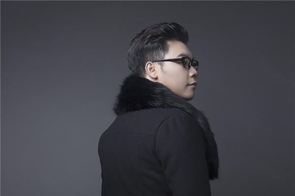 Hamlet Trương xuất thân là người hoạt động ở dòng nhạc trẻ nhưng sở thích của anh lại nghiêng về dòng nhạc quê hương, trữ tình.