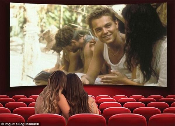 Cặp đôi tới rạp chiếu phim để xem Leonardo DiCaprio diễn xuất trong bộ phim The Beach.