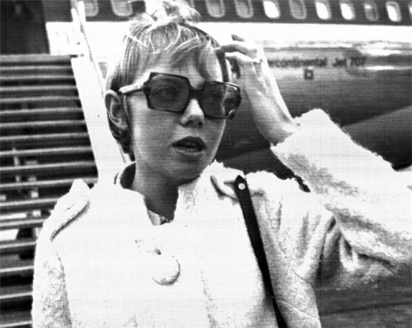 Bà Juliane đã thoát chết trong một vụ rơi máy bay giết chết toàn bộ hành khách.(Ảnh: Bright Side)