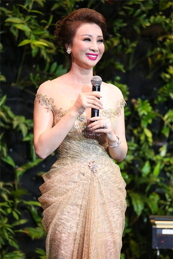 Hoa hậu Doanh nhân Thế giới người Việt 2016 Vũ Thúy Nga
