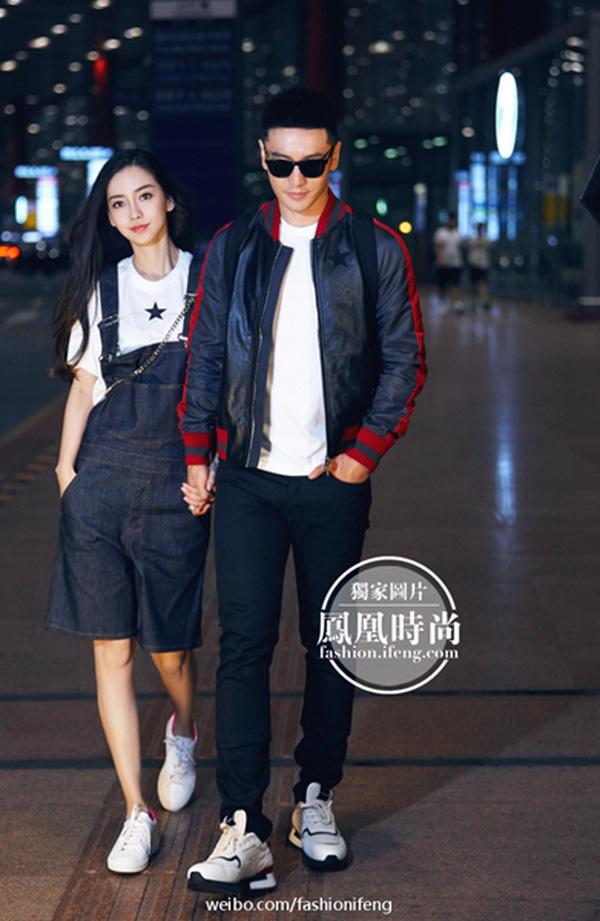 Vẫn như mọi khi, Huỳnh Hiểu Minh và Angela Baby luôn nắm tay tình cảm mỗi khi sánh bước bên nhau.