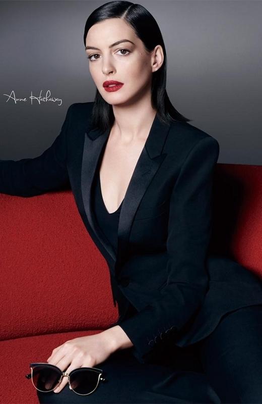 Nữ minh tinh Anne Hathaway thanh lịch và tao nhã với phụ kiện mắt kính Bolon. (Ảnh: matkinh.com.vn)
