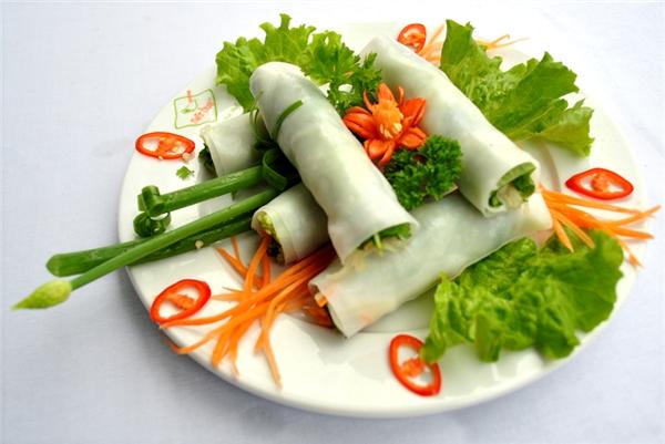 Ẩm thực miền Trung - Bánh ướt thịt nướng món ngon không thể bỏ qua ở miền Trung