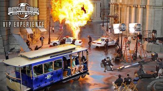Hàng triệu người mơ ước được một lần đến với Universal Studio để tận mắt chứng kiến quá trình làm phim bom tấn.