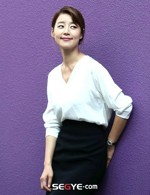 Bên cạnh nhan sắc vạn người mê thì chiếc cổ của Han Ji Hye cũng nổi bật quá mức cần thiết