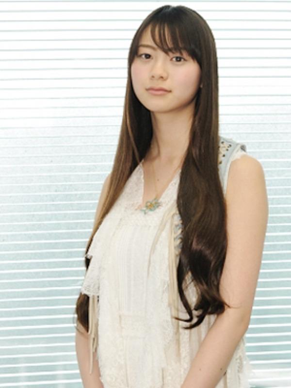 """Cô nàng diễn viên kiêm người mẫu Yamashita Rio sở hữu chiếc cổ với độ dài """"không tưởng"""""""