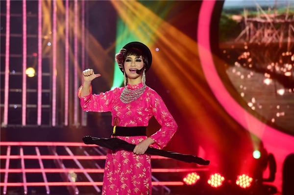 Trải qua nhiều thử thách của chương trình, Hòa Minzy đã từng bước chinh phục hàng triệu trái tim người hâm mộ bằng chính tài năng nghệ thuật thiên bẩm. - Tin sao Viet - Tin tuc sao Viet - Scandal sao Viet - Tin tuc cua Sao - Tin cua Sao