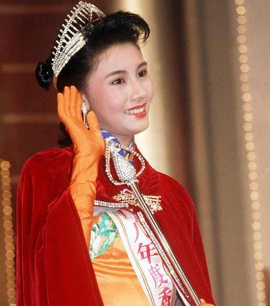 """Hoa hậu đẹp nhất lịch sử Hong Kong và 2 lần mang tiếng """"hồ li"""