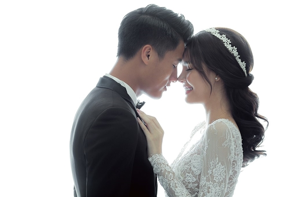 Sau lễ ăn hỏi,tiệc mừng của cặp đôi sẽ diễn ra vào ngày 26/6 với sự chung vui của bạn bè và người thân gia đình. - Tin sao Viet - Tin tuc sao Viet - Scandal sao Viet - Tin tuc cua Sao - Tin cua Sao