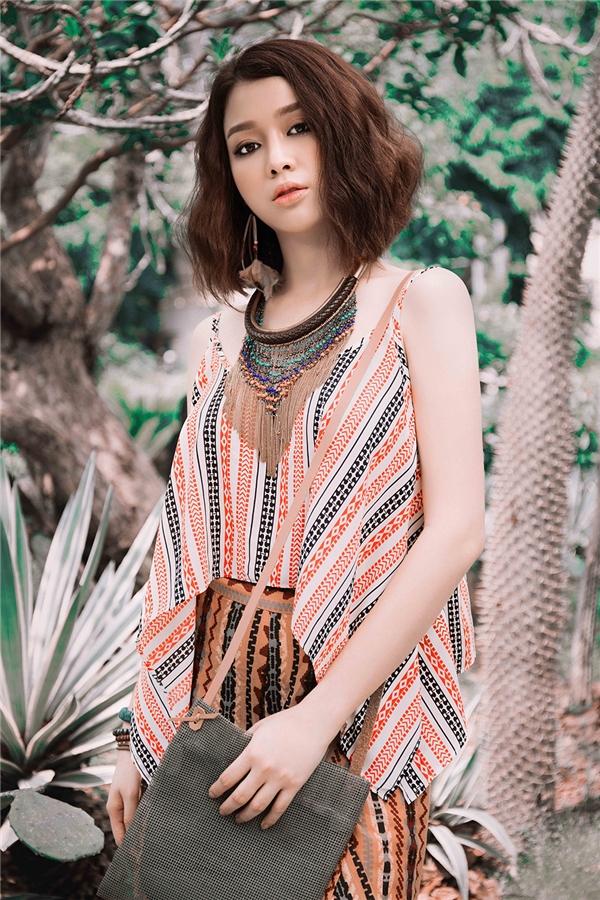 Ngoài công việc người mẫu, Trương Tùng Lan còn thử sứcở lĩnh vực kinh doanh.và tham gia nhiều bộ phim truyền hình ở Hà Nội.