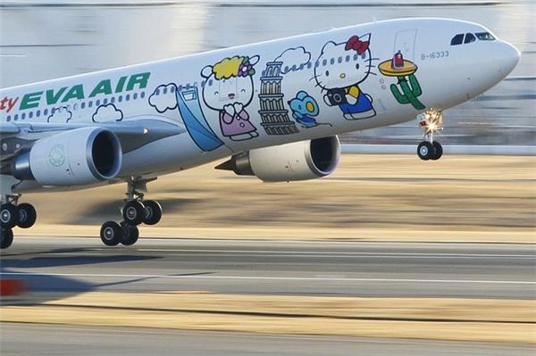 Cận cảnh vẻ ngoài cực kì bắt mắt của những chiếc máy bay Hello Kitty. (Ảnh: Internet)