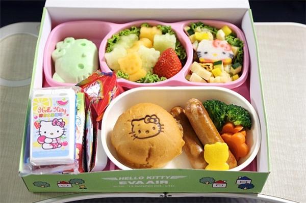 Fan Hello Kitty sẽ chọn đi chiếc máy bay dễ thương nhất hành tinh này