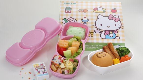Những suất ăn Hello Kitty được bày trí vô cùng đẹp mắt và khéo léo. (Ảnh: Internet)