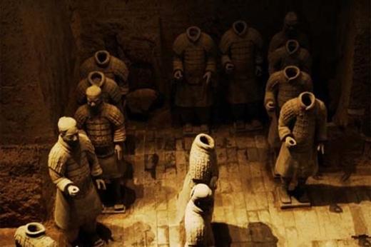 Người ta vừa mới phát hiện ra trong hầm mộ có một mật thất. (Ảnh: Internet)
