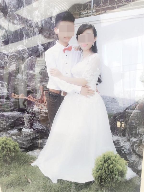 """Cô dâu chú rể trong bộ đồ cưới khiến nhiều người """"ngỡ ngàng"""". (Ảnh: Internet)"""
