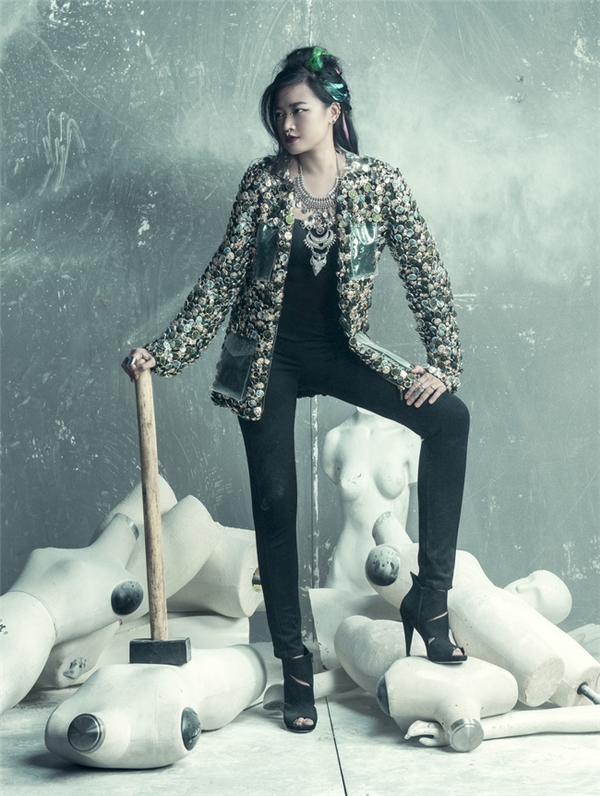 Giám đốc sáng tạo Hà Đỗ là người dày dặn kinh nghiệm trong việc thực hiện các bộ ảnh thời trang cao cấp. Phần lớn các ý tưởng nghệ thuật tại Vietnam's Next Top Model 2016 sẽ do cô quyết định.