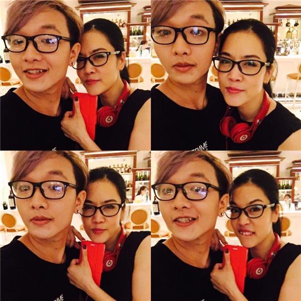 Cô trò Thu Phương - Hoàng Dũng nhí nhảnh tạo dáng selfie.
