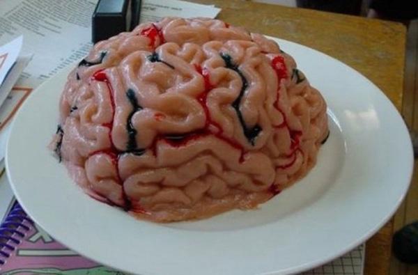 19. Bê một bộ não ra thế này khách không bỏ chạy mới là lạ.