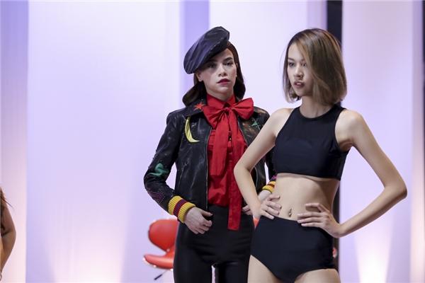 Thí sinh Phí Phương Anh thuộc đội Hồ Ngọc Hà có chiều cao tốt, thân hình thanh mảnh cùng kĩ năng catwalk nổi bật, thu hút. Tuy nhiên do cấu trúc xương người mình dây nên cô gái này không có vòng eo thắt.