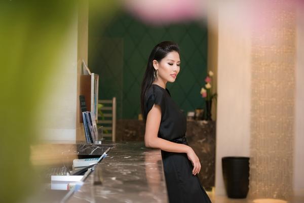 Có thông tin, cô sẽ là đại diện của VIệt Nam tại cuộc thi Hoa hậu Hoàn vũ Thế giới 2016, tuy nhiên, đơn vị giữ bản quyền cuộc thi chưa lên tiếng xác nhận.