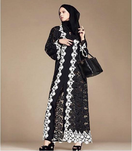Các bộ trang phục phá cách đầy ấn tượng.