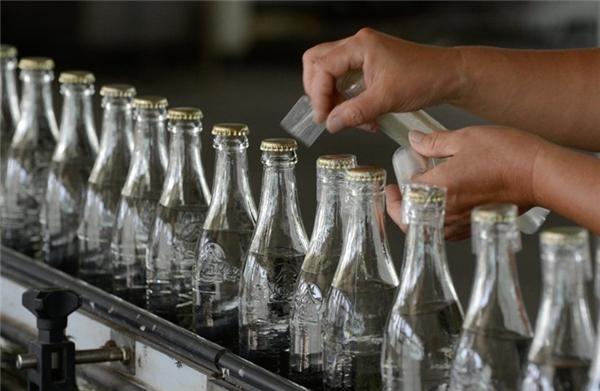 Trong năm 2013, Trung Quốc có khoảng 5.529 nhà máy sản xuất rượu, nước giải khát và các loại trà ở Trung Quốc.