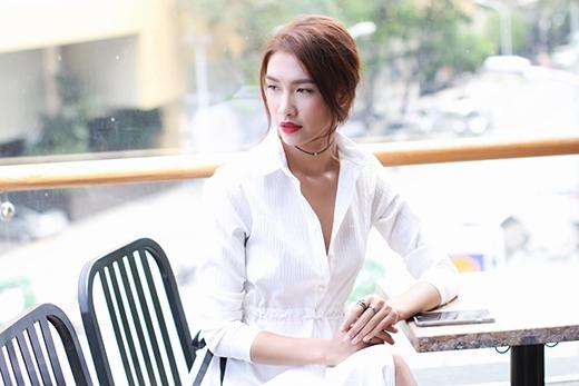 Lệ Quyên và Nguyễn Oanh nổi bần bật trong sắc trắng tinh khôi - Tin sao Viet - Tin tuc sao Viet - Scandal sao Viet - Tin tuc cua Sao - Tin cua Sao