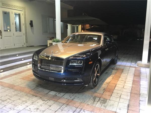 Vẫn dáng vẻ hầm hố bệ vệ thường thấy ở những chiếc Rolls Royce. (Ảnh FB nhân vật)