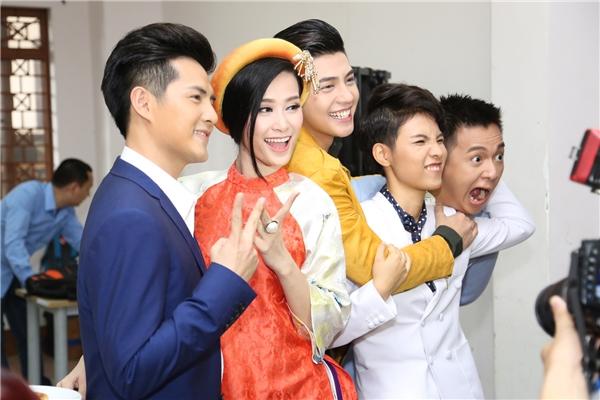 Nhiều khán giả đang chờ đợi sự mới mẻ của The Voice Kids ở mùa 4 nhờ vào sự xuất hiện của Noo Phước Thịnh, Ông Cao Thắng, Đông Nhi, Vũ Cát Tường