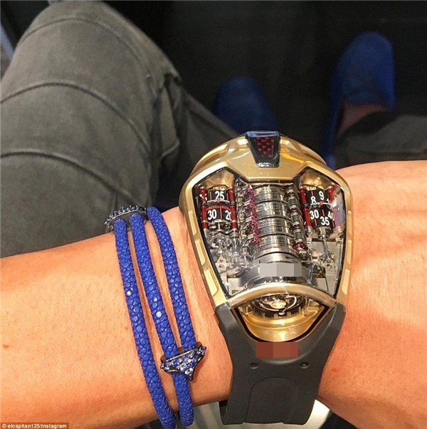 """Còn đây là """"siêu"""" đồng hồ của một cậu ấm ở Miami. (Ảnh: Instagram)"""